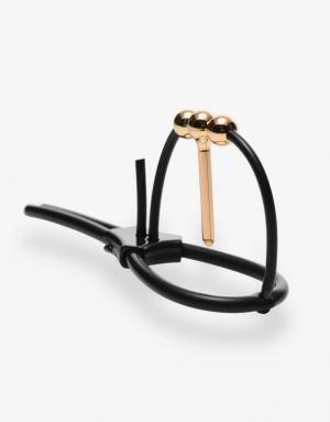 Corona er en ring til penishovedet med en sound, der giver mulighed for elektriske stimuli