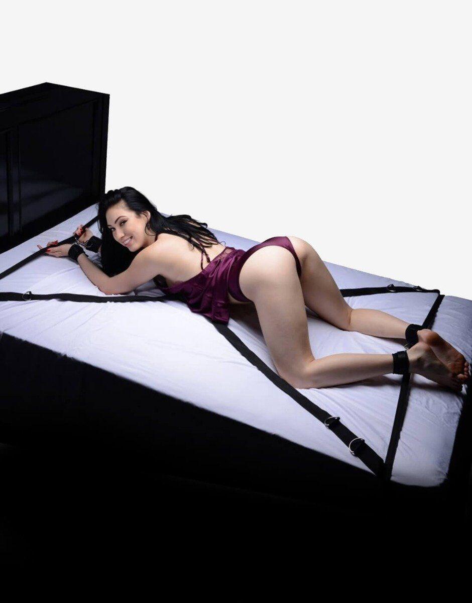 Interlace er det nyskabende sengefiksseringssæt, der går over og under sengen