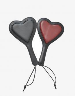 Den hjerteformede læder paddle kommer i to forskellige farver